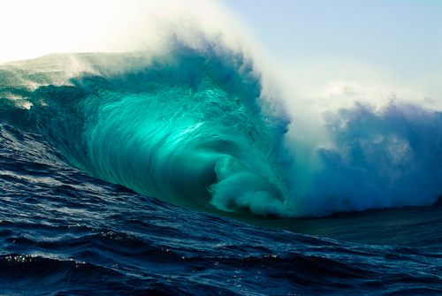 beautiful_and_blue_massive_wave