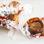 Product review – Lindt Lindor Milk Chocolate Peanut Butter truffles (limited edition)