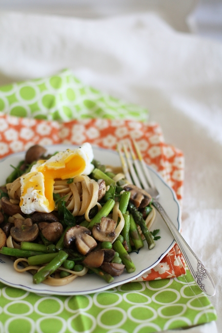 Linguine with miso butter, poached egg and spring vegetables (for one ...