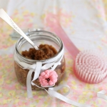 Home made vanilla brown sugar body scrub