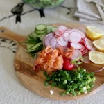 Smoked salmon & spinach salad