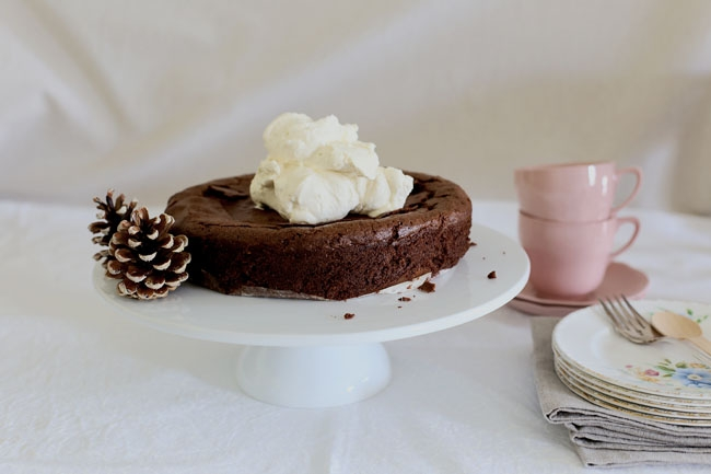 woodland chocolate cake l a splash of vanilla