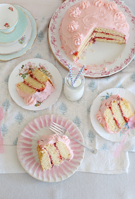 Vanilla strawberry layer cake l a splash of vanilla