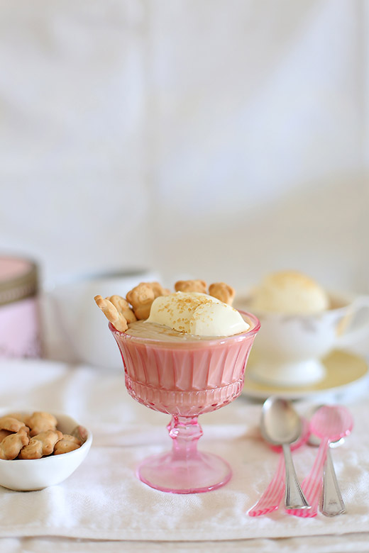 Butterscotch dairy pudding with teddy bear biscuits l a splash of vanilla