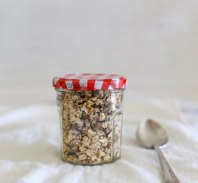 a splash of vanilla l sticky date raw muesli